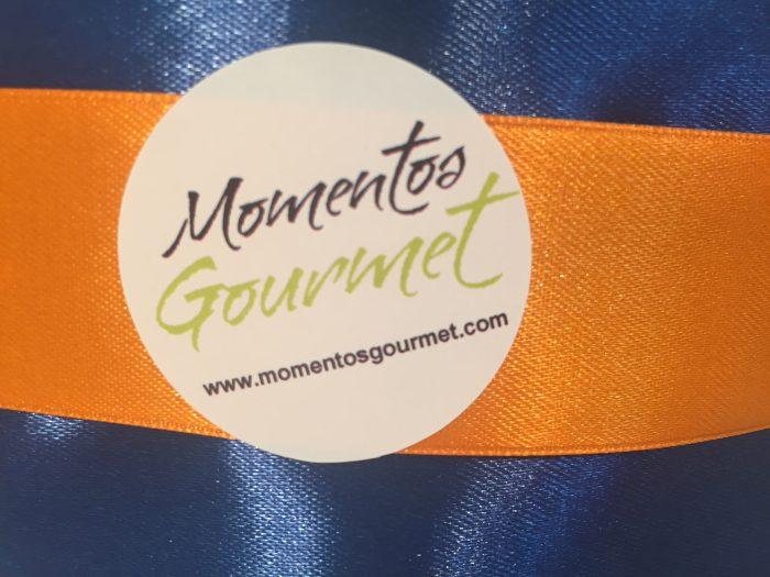 Logo-MomentosGourmet-naranja-azul